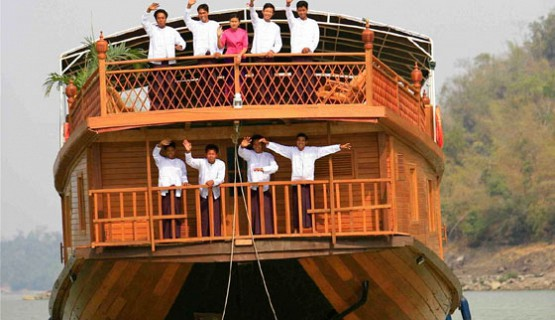 Amara River Cruise | Expeditions Myanmar